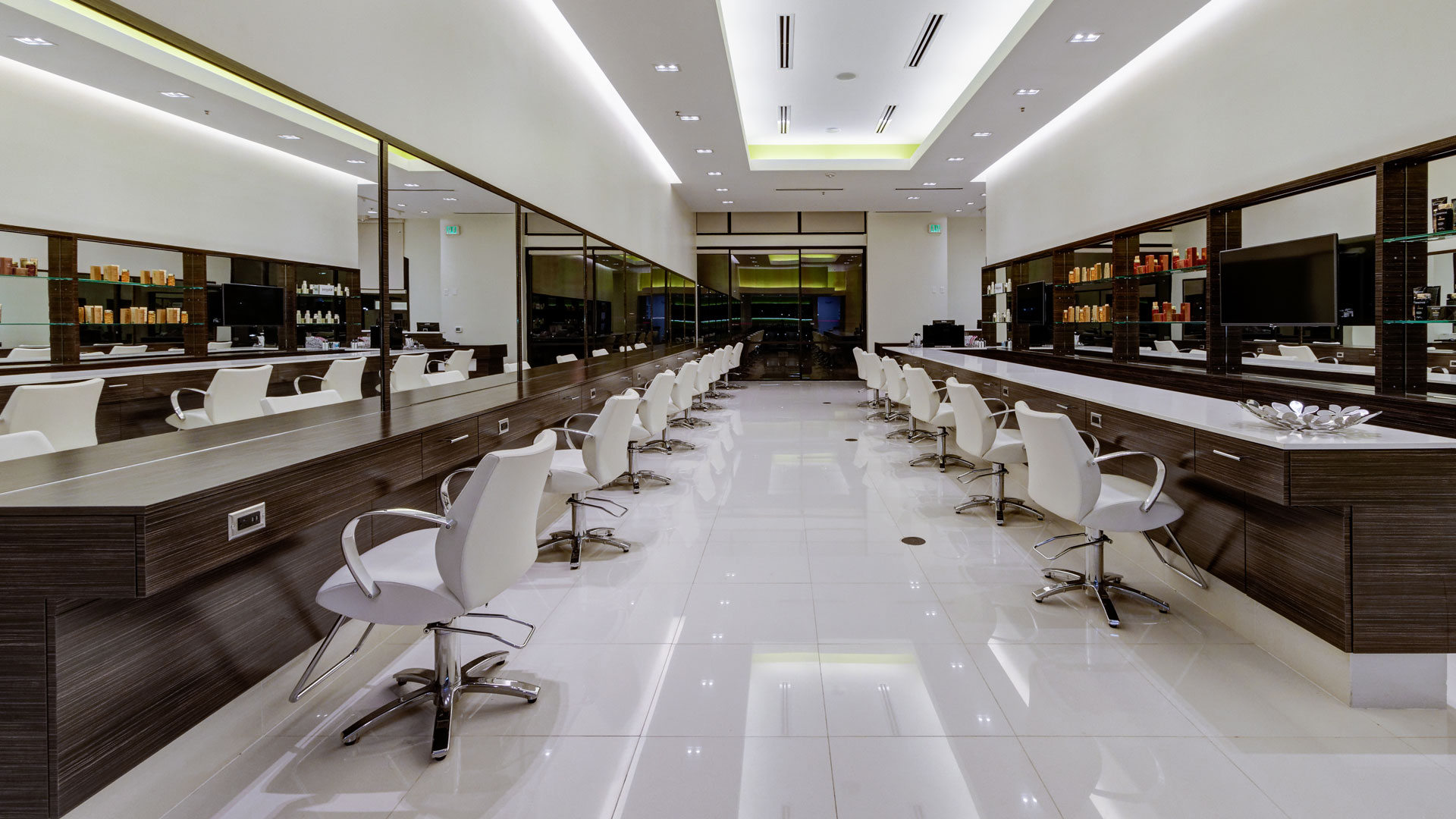 Allenora annie signature salon lahore groupin pk salons for Aalam salon prices